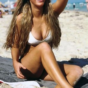 Lele Pons tits