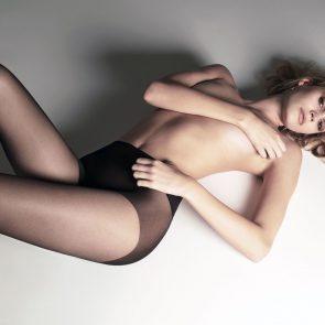 Noel Berry topless