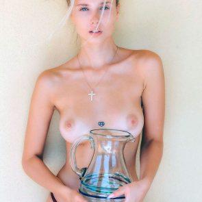 Polina Malinovskaya nude nipples
