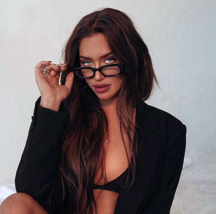 Anastasia Karanikolaou cleavage