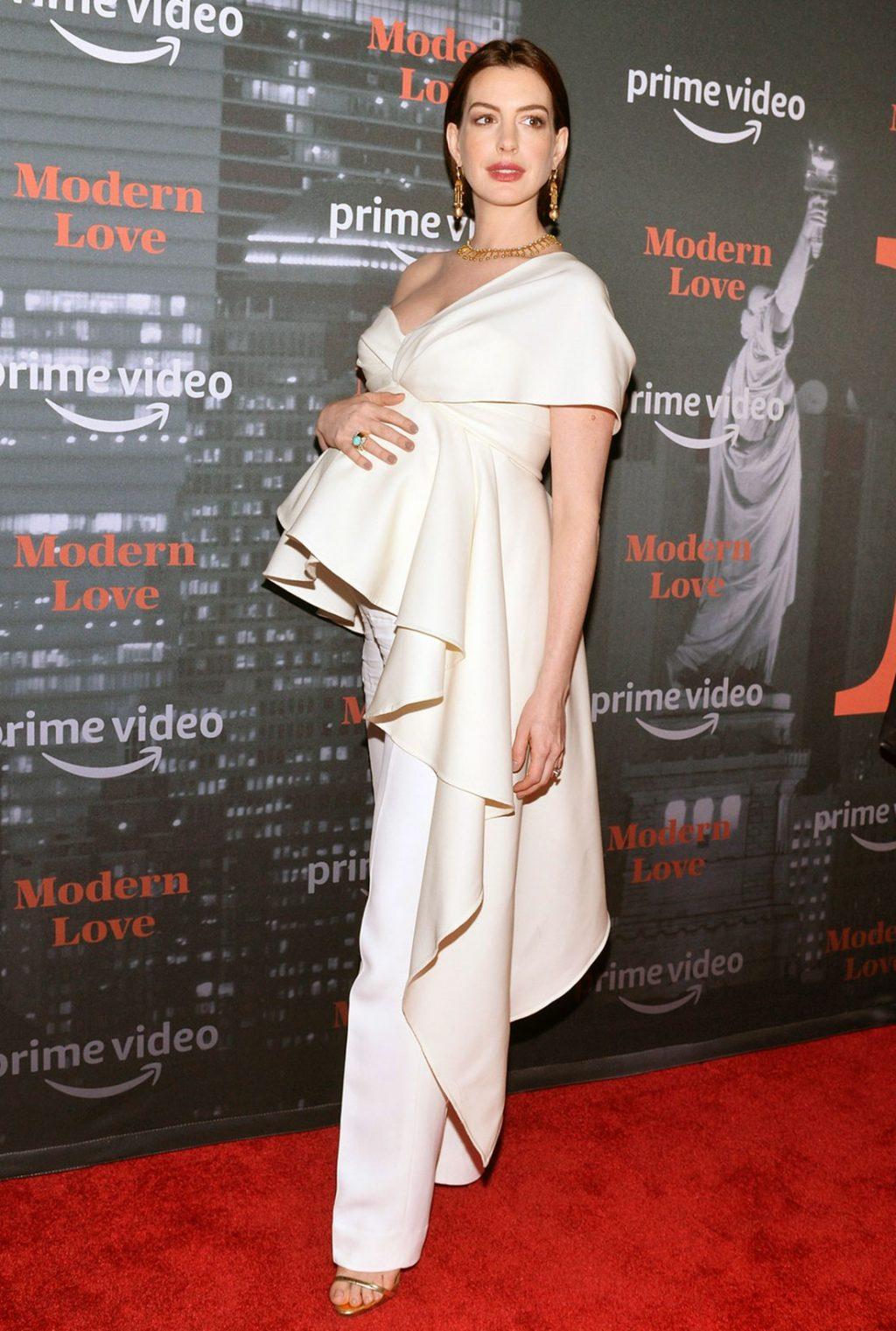 Anne Hathaway legs