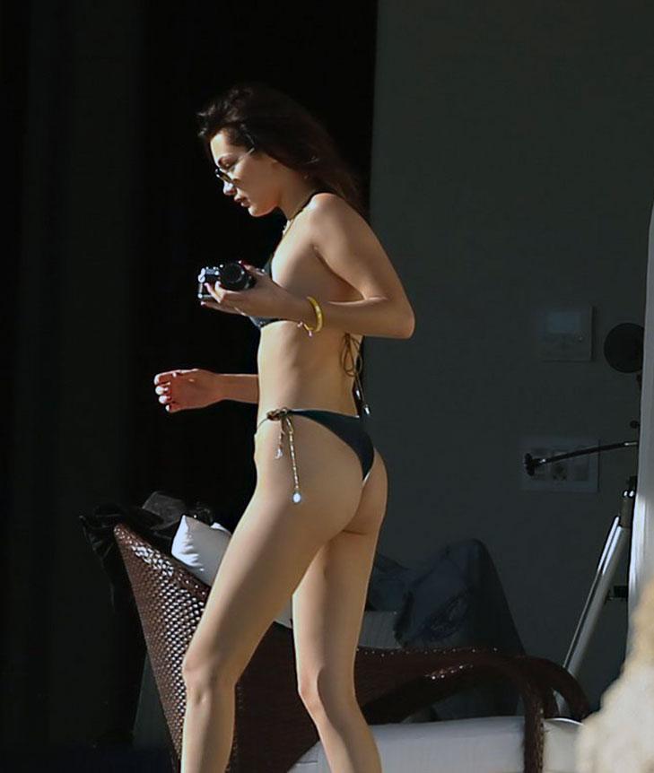 Bella Hadid butt