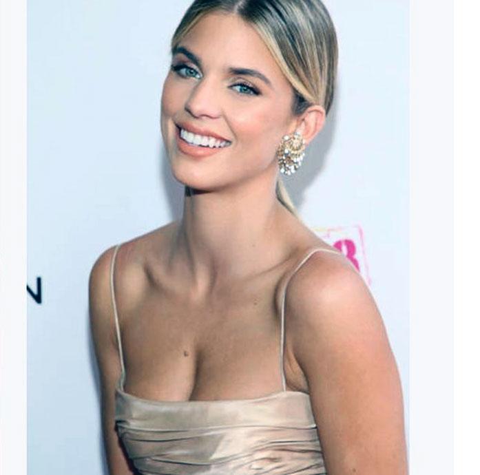 AnnaLynne McCord boobs