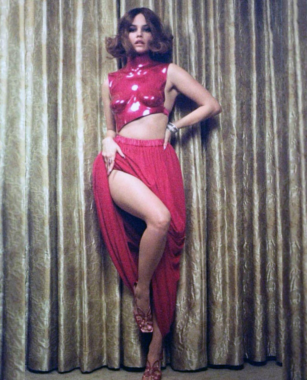 Barbara Palvin legs