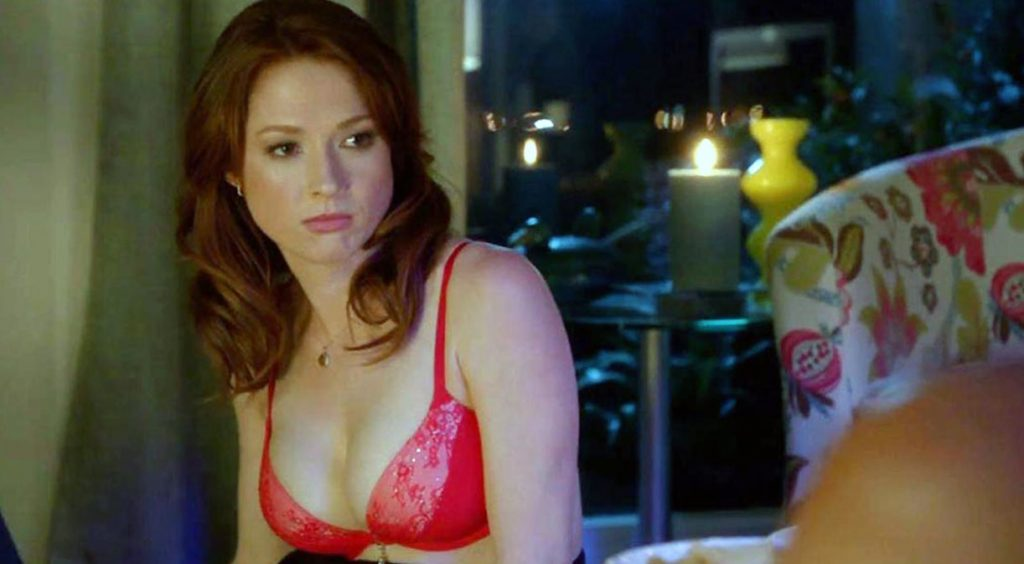 Ellie Kemper cleavage