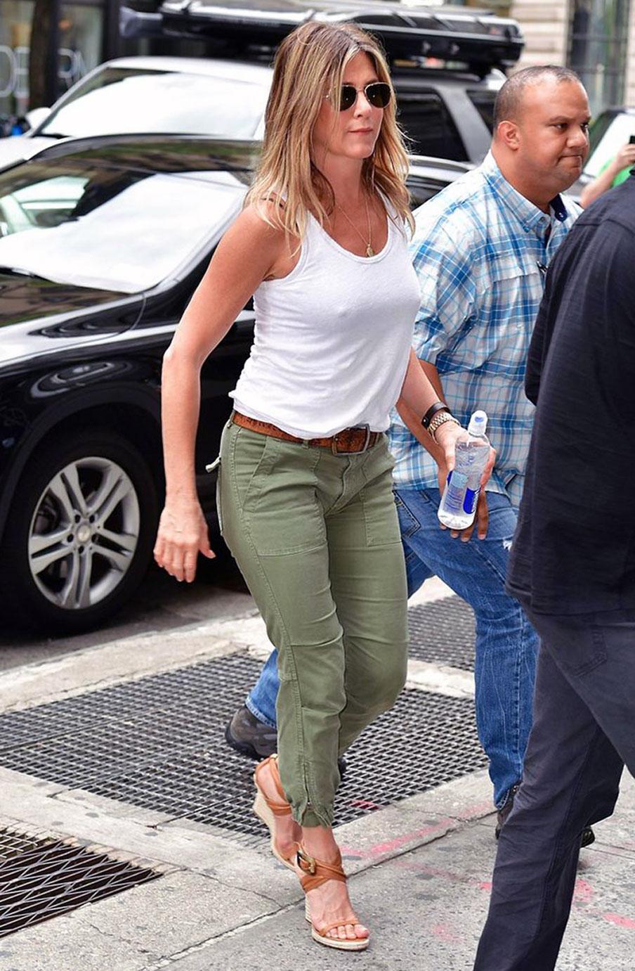 Jennifer Aniston boobs