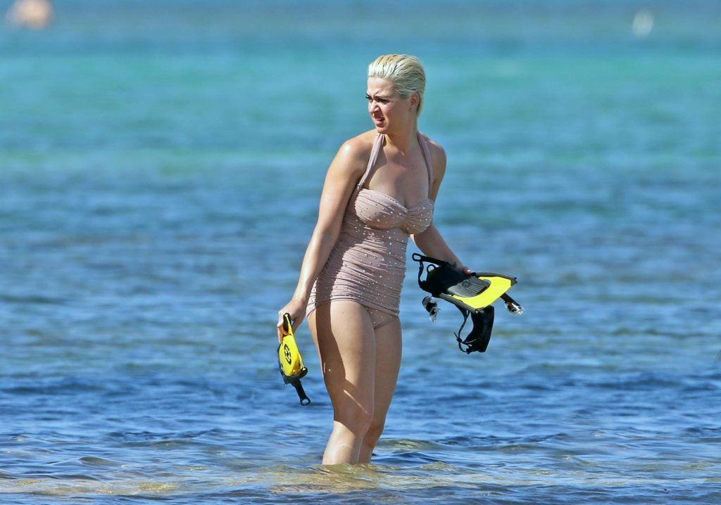 Katy Perry tits