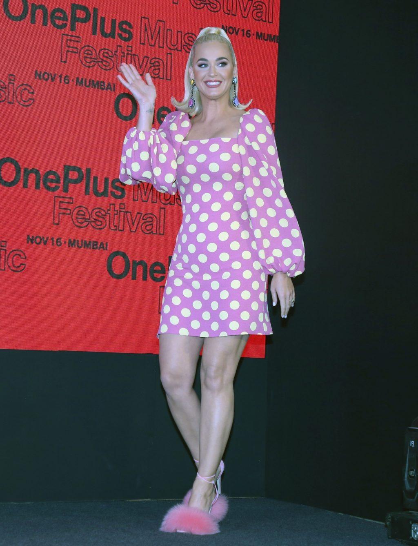 Katy Perry legs
