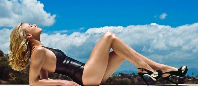 Yvonne Strahovski sexy