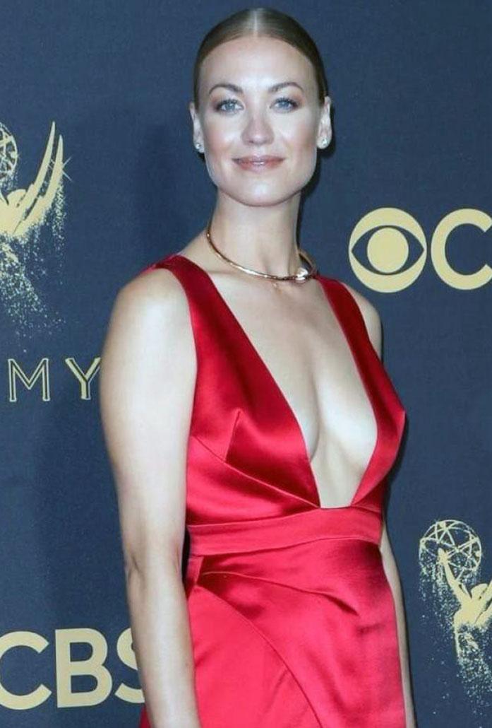 Yvonne Strahovski boobs