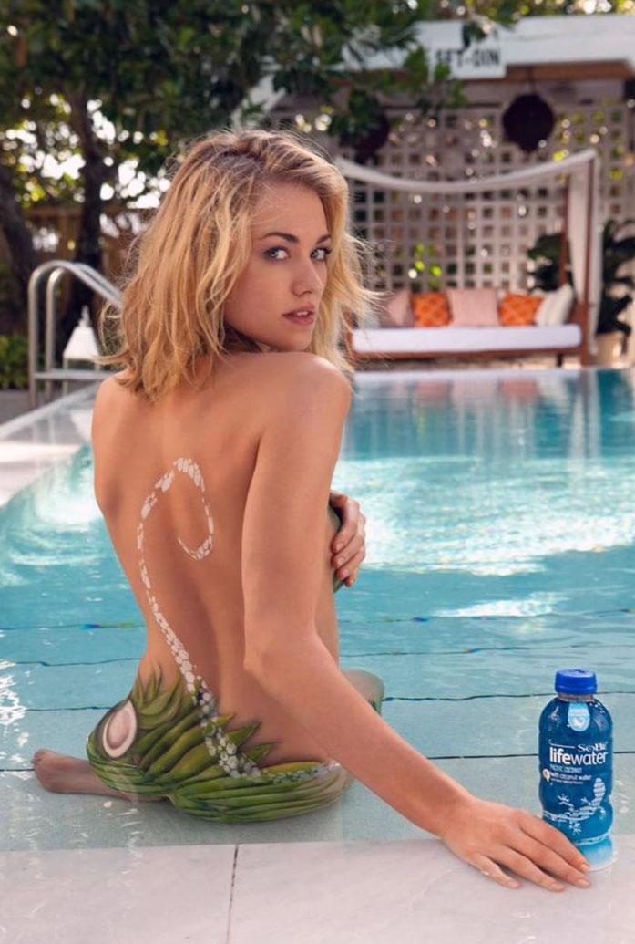 Yvonne Strahovski topless