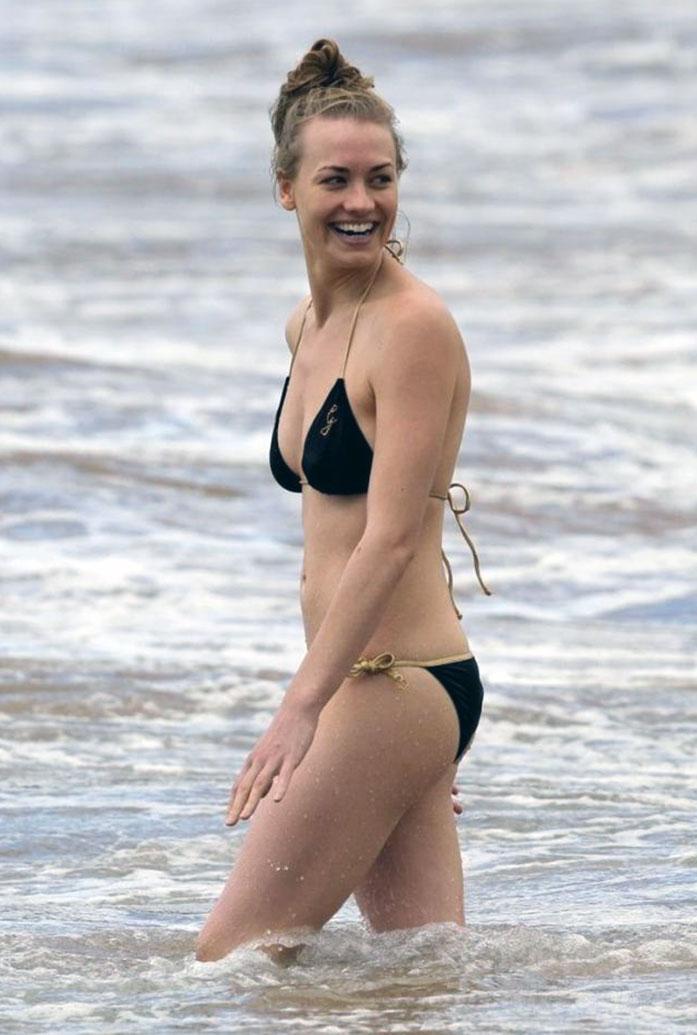 Yvonne Strahovski butt