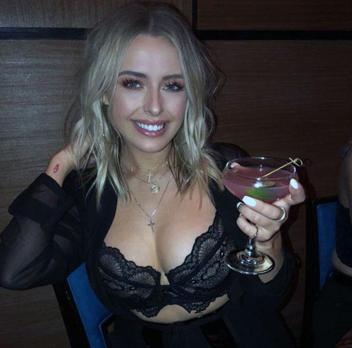 Corinna Kopf boobs