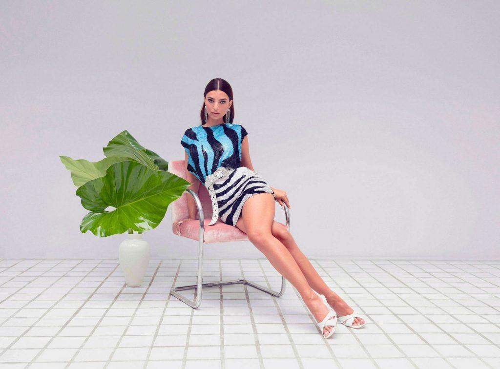 Emily Ratajkowski legs