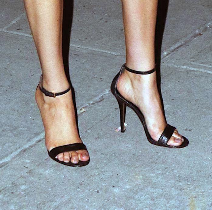 Kate Upton feet