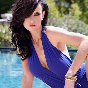 Ana Alexander cleavage