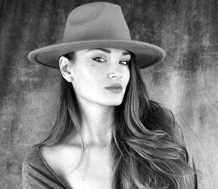 Anastasia Marinina cleavage