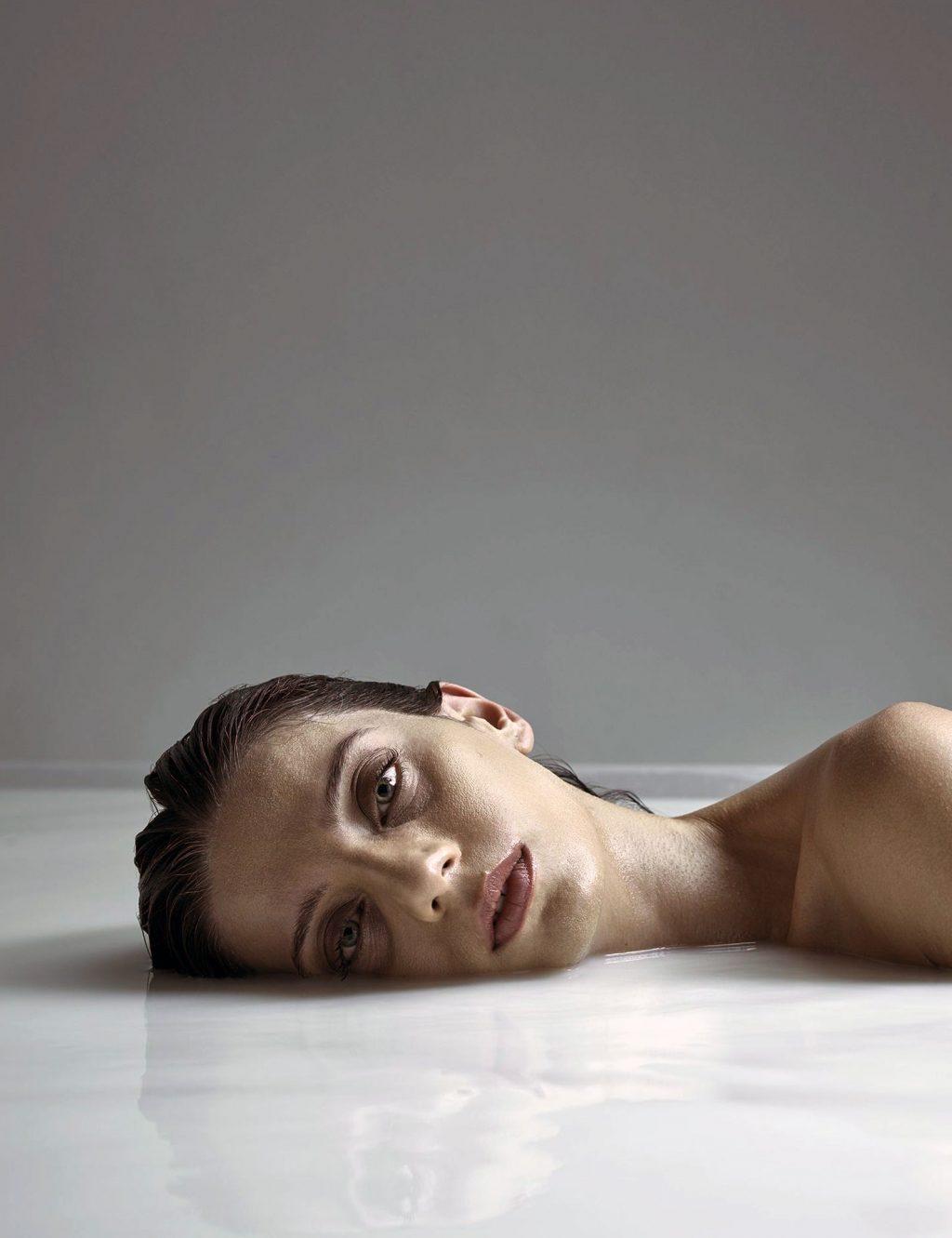 Angela Sarafyan sexy