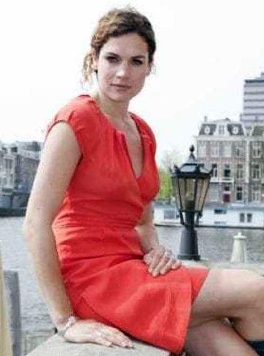 Anna Drijver hot