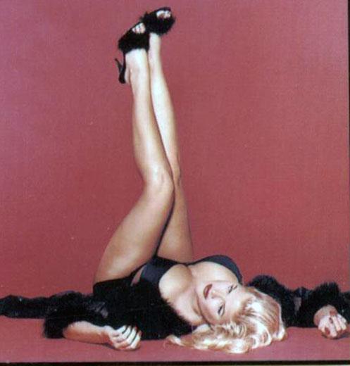 Anna Nicole Smith feet
