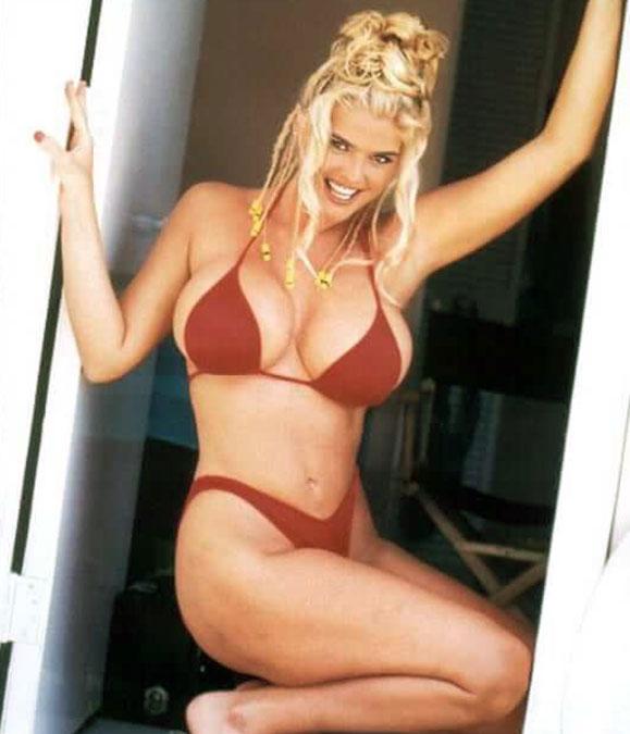 Anna Nicole Smith bikini