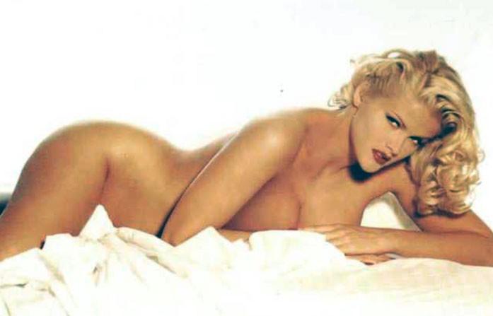Anna Nicole Smithn nude