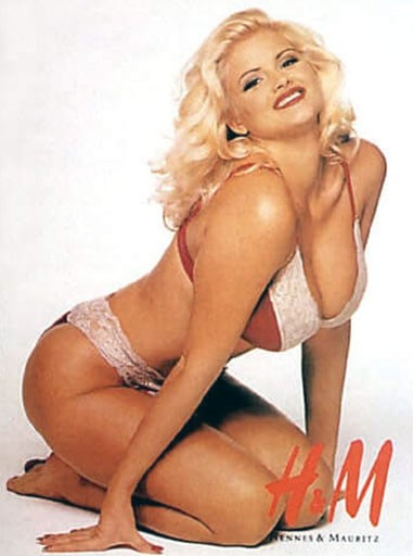 Anna Nicole Smith boobs