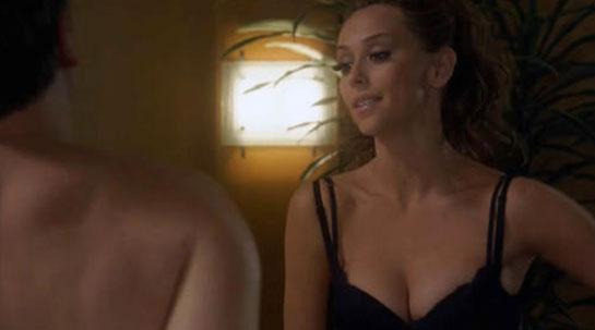 Jennifer Love Hewitt nipples
