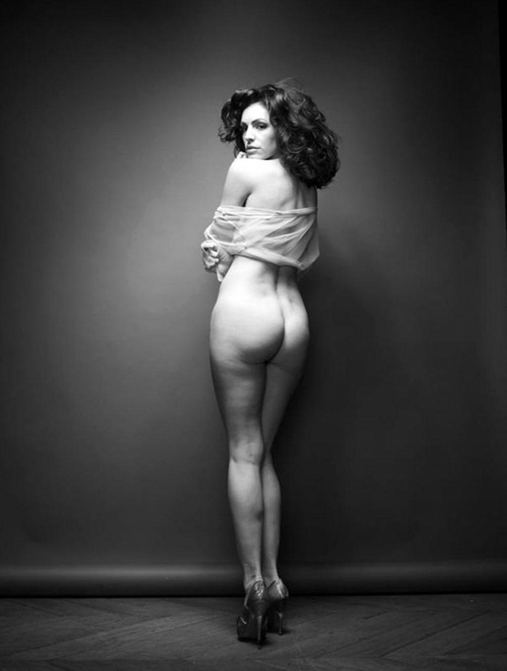 Kelly Brook ass