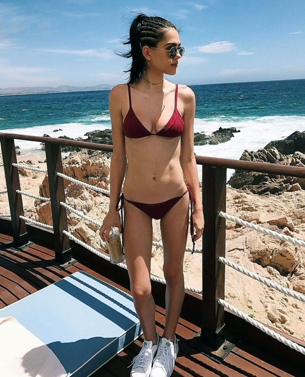Amelia Gray Hamlin hot