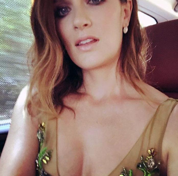 Anna Wood cleavage
