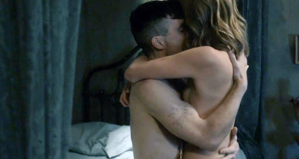 Annabelle Wallis naked