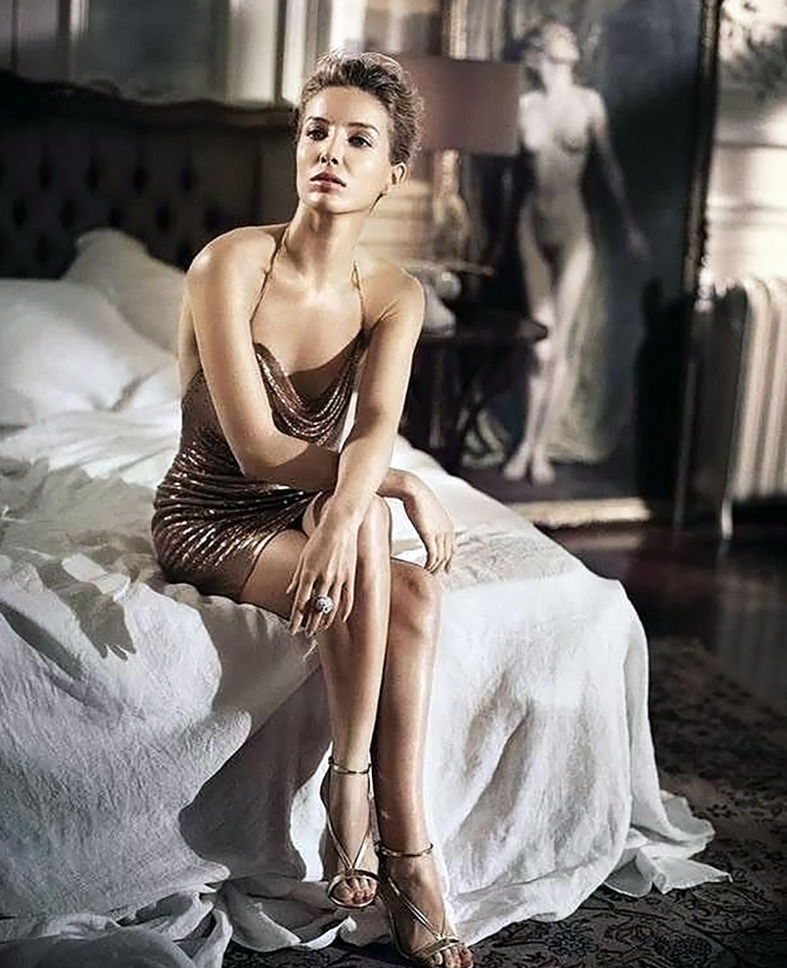 Annabelle Wallis legs