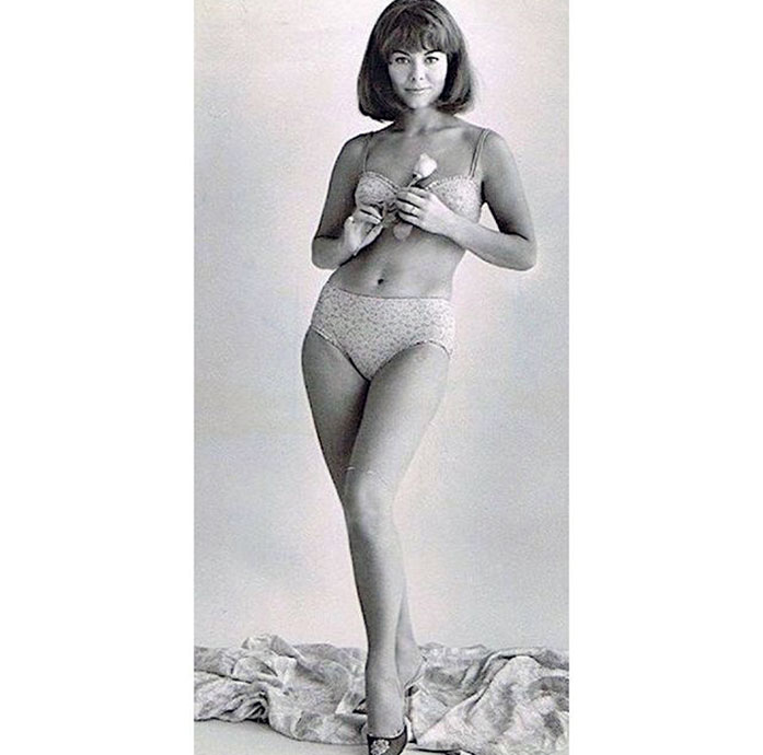 Anne Heywood topless