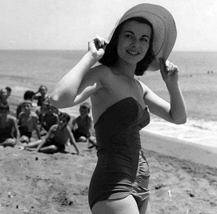 Anne Heywood bikini