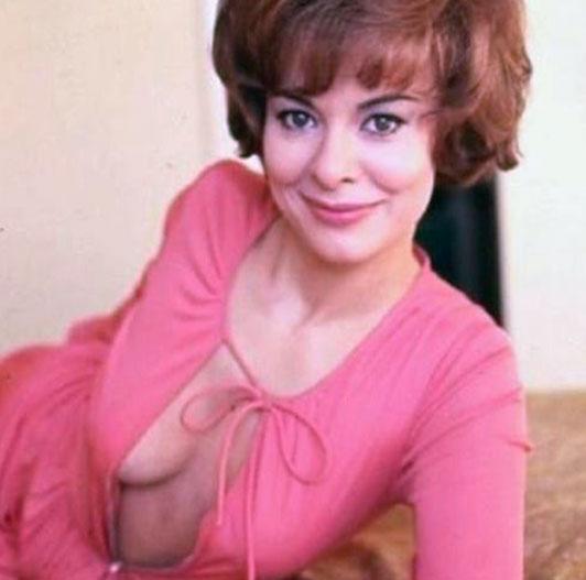 Anne Heywood boobs