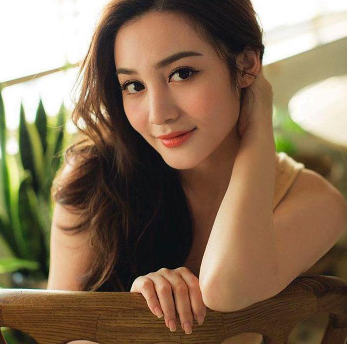 Ashina Kwok naked