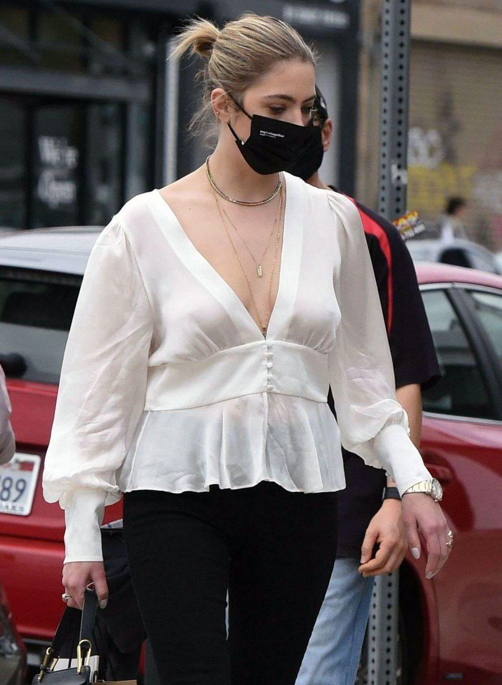 Ashley Benson tits