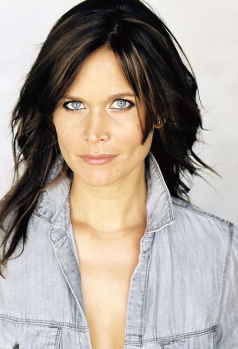 Ashley Noel cleavage