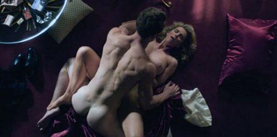 Betty Gilpin naked