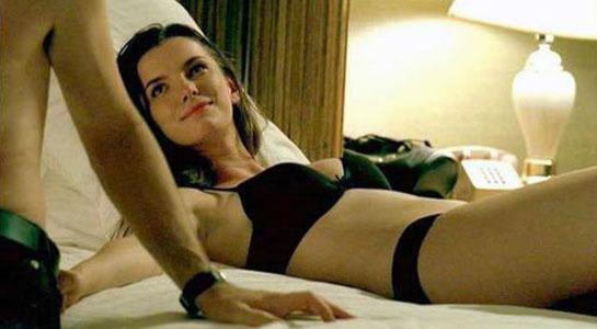 Betty Gilpin hot