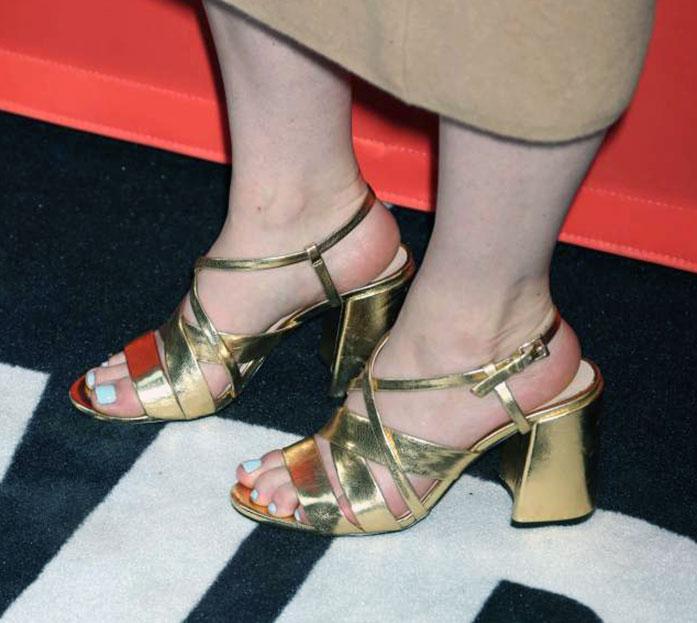 Betty Gilpin feet