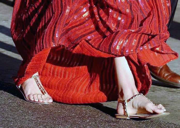 Gal Gadot feet