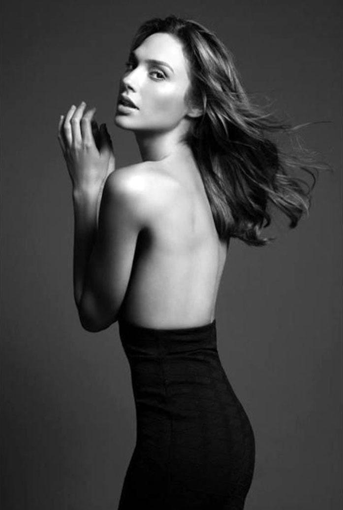 Gal Gadot topless