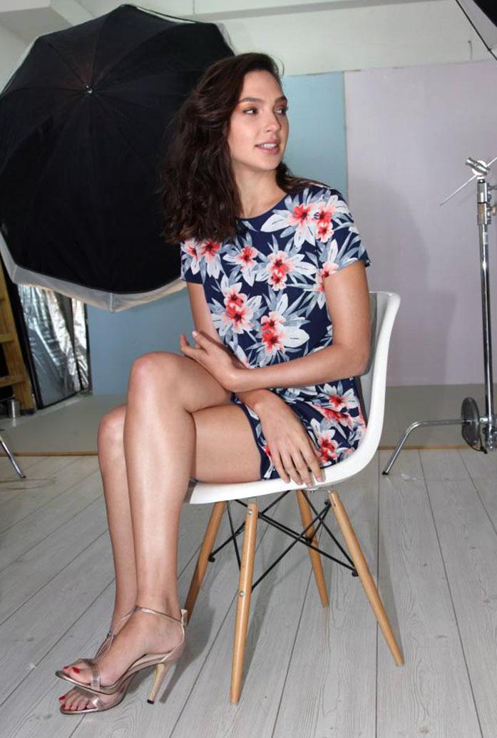 Gal Gadot legs