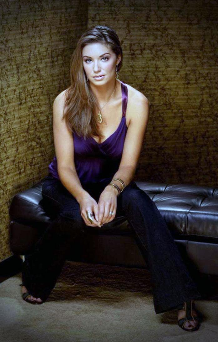 Bianca Kajlich cleavage