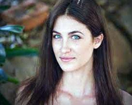 Bianca Saul hot