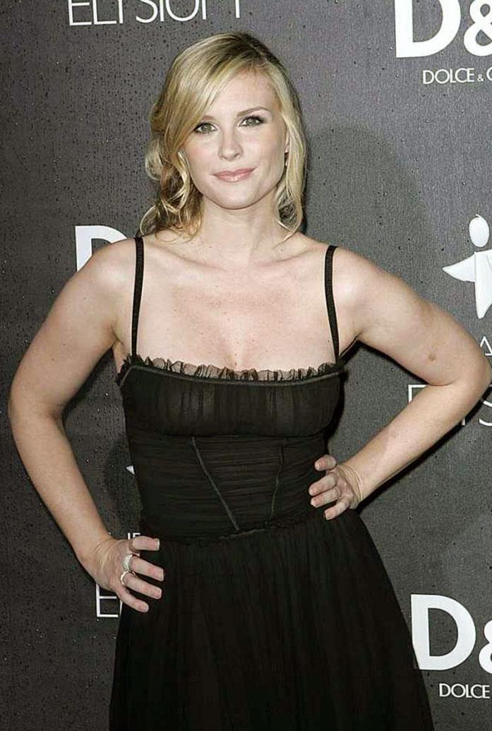 Bonnie Somerville boobs