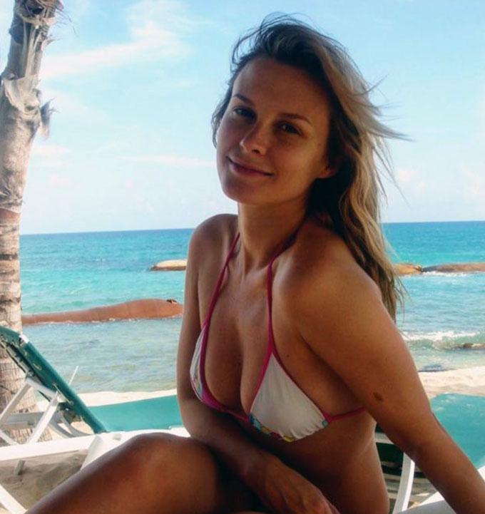 Bonnie Somerville bikini