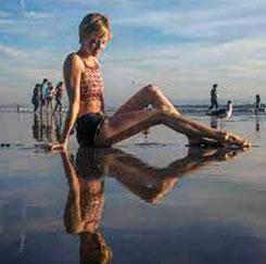 Britni Sheridan legs